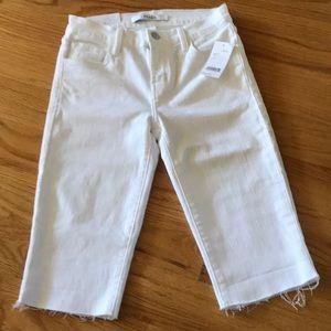 J Brand BERMUDA MID-RISE SHORTS in White